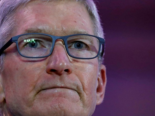The 'clock has struck midnight' for Apple: It needs to buy a major Hollywood studio this year or lose the streaming war to Netflix and Amazon (AAPL, DIS, NFLX, AMZN)
