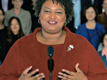 Stacey Abrams Delivers Inspirational Rebuttal To Trump's SOTU Address, Says Government Shutdown Was A 'Stunt' & Calls These 'Political Games' A 'Disgrace'