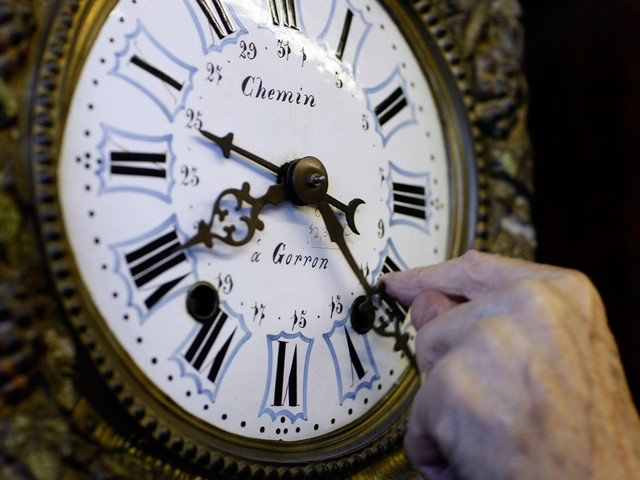 Time To Turn Back The Clock: Daylight Saving Time Ends Sunday