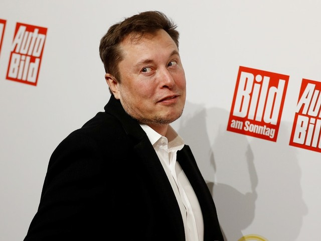 Elon Musk Tells Jury He's Worth $20 Billion but Is Short on Cash