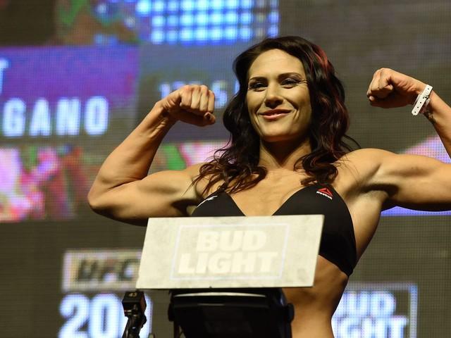 Cat Zingano says 'hell yes' to fighting winner of Cris Cyborg vs. Megan Anderson
