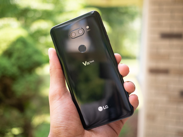 LG V35 ThinQ Android 10 update rolling out in the US