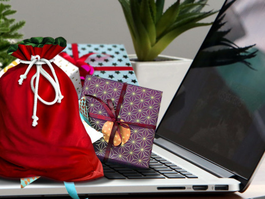 10 Cool Gift Ideas for Mac Users This Holiday Season