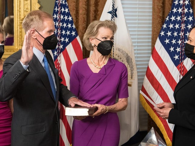 Former Senator Bill Nelson is officially NASA's new administrator. His goals: support climate research and put astronauts on the moon.