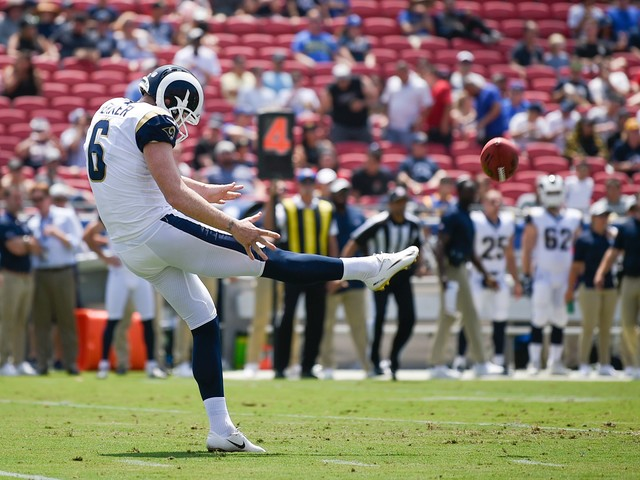 Rookie punter Michael Dickson makes strong impression on NFL