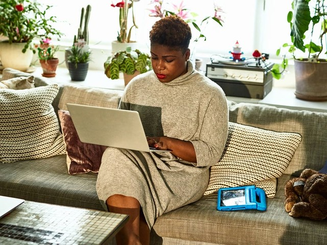 As a freelancer, taxes are complicated, but a high-yield savings account makes them easier — and earns me money