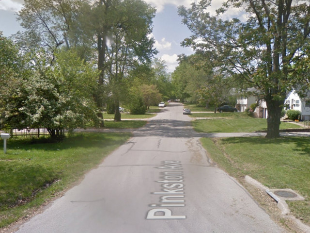 Man dies after he was found shot in front of Grandview home, police say