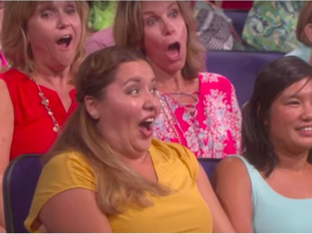 You'll Cringe Like Crazy Watching Ellen Call Out an Audience Member For Stealing