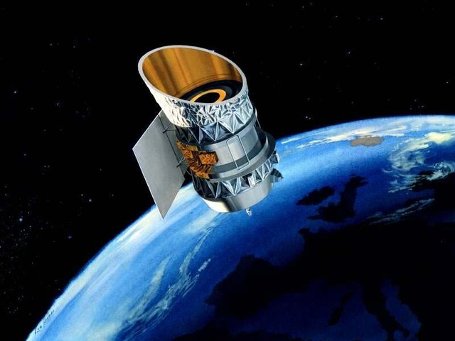 2 satellites will narrowly avoid colliding at 32,800 mph over Pittsburgh on Wednesday