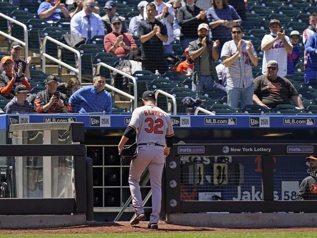 Dark Knight returns: Matt Harvey, Orioles lose to Mets 7-1