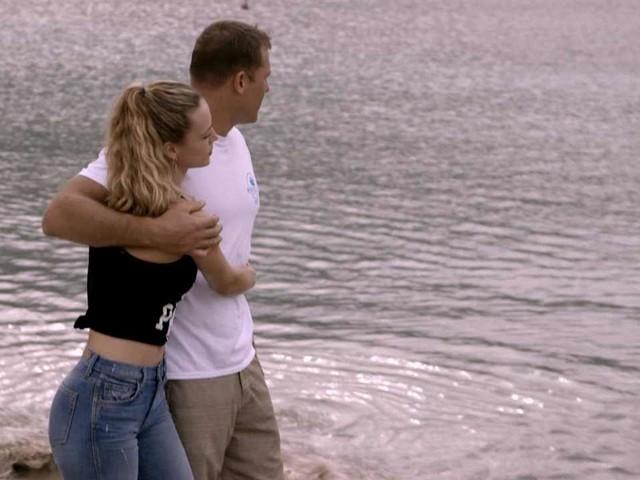 Hannah Ferguson & BF Enjoy Romantic Walk After Hurricane Clean-Up
