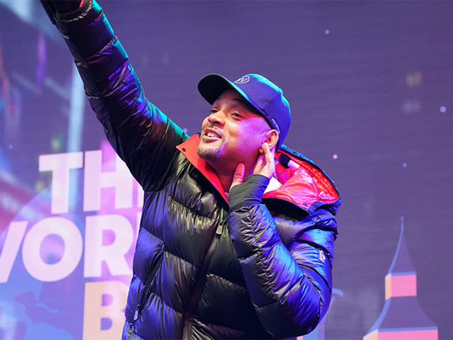 Will Smith performs in Times Square 'sleepout' to address homelessness