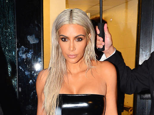 Kim Kardashian Is Apparently 'Urging' Kylie Jenner to Confirm her Pregnancy
