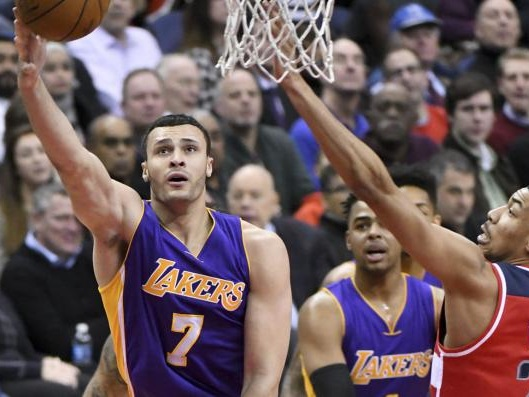 Los Angeles Lakers: Larry Nance Jr. out 4-6 weeks with broken hand