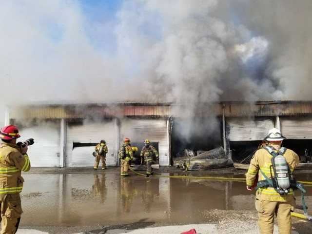Crews responding to two-alarm structure fire in Murray