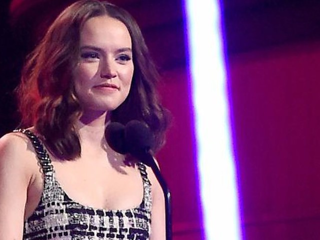 7 things we learned about Daisy Ridley from her 'Vogue' cover debut