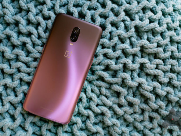 (Update: Rollout may be paused, new build coming) Android 10 is here for OnePlus 6 and 6T