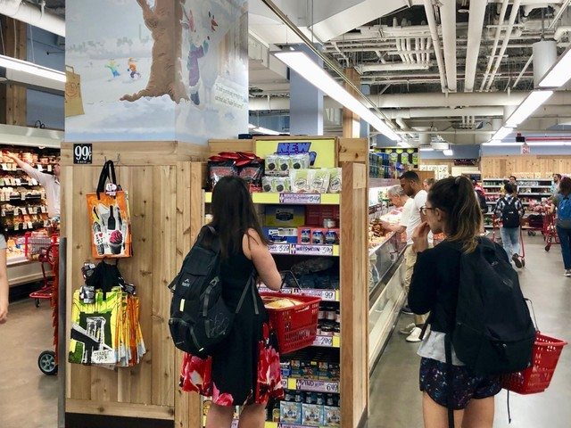We went shopping at Walmart and Trader Joe's and saw how the smaller chain could threaten the superstore's dominance in grocery (WMT)