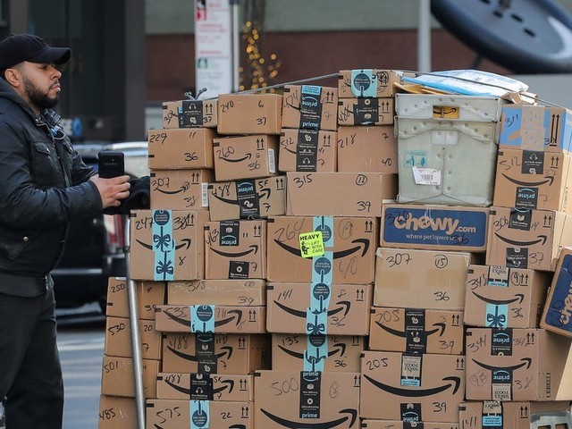 Amazon's move to 1-day shipping helped juice its total deliveries to 5 billion packages last year, 16 times more than Walmart, Morgan Stanley estimates (AMZN, WMT)