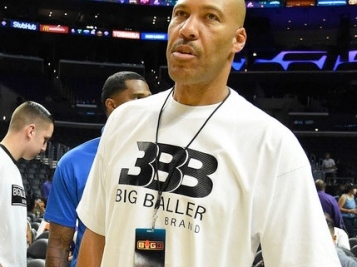 ISH TALKIN'! Trump POPS BACK At LaVar Ball Who Says Trump DIDN'T Help, 'I Should Have Left Them In Jail!'