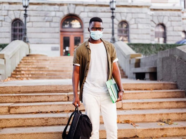4 in 10 College Students Change Plans Amid Pandemic Money Struggles