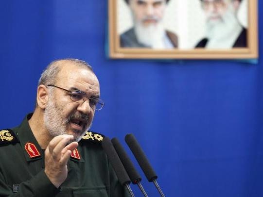"IRGC Commander Says Netanyahu Will""Flee Into Sea,""Should ""Practice Swimming"""