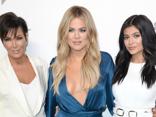 Kris Jenner Gushes Over Khloe and Kylie in the Midsts of Their 'Major Life Changes'