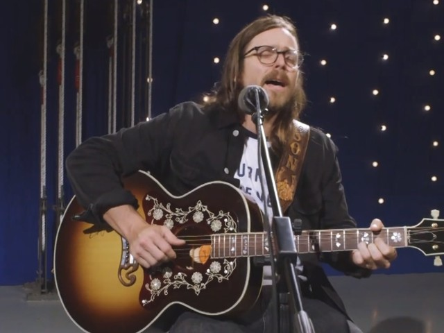 Lukas Nelson Performs 'Turn Off The News' For The Bridge