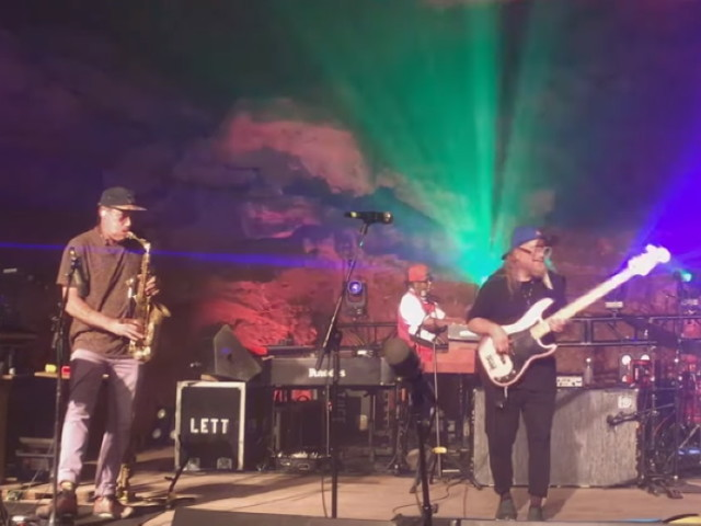 Lettuce Performs 'Purple Cabbage' Underground At The Caverns: Pro-Shot Video