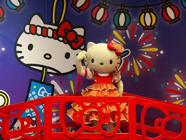 Hello Kitty's 45th-anniversary pop-up in Bellevue presents an interactive, Instagrammable wonderland