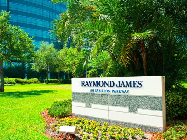 UBS team managing $440 million moves to Raymond James