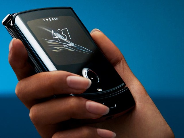 The new Motorola Razr is the most desirable smartphone in years, but there are 4 key reasons why you shouldn't buy it