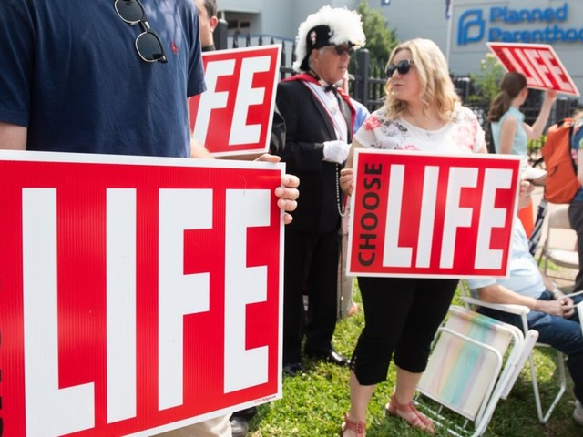 Judge blocks Missouri government from closing last abortion clinic in the state