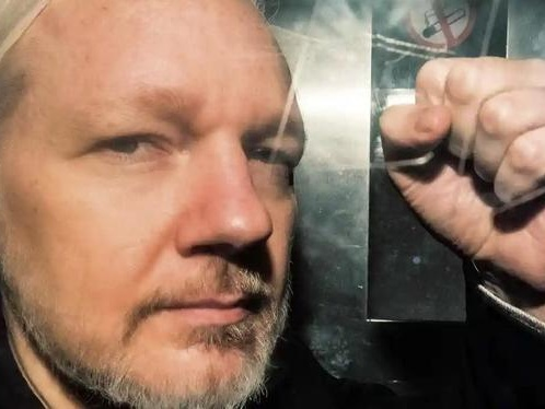 Tide of Public Opinion Is Turning In Assange's Favor