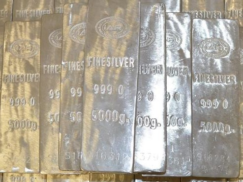 Spot Silver Surges Above $28, Still Historically Undervalued To Gold