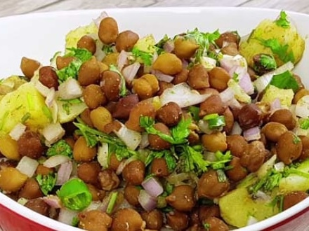 High-Protein Diet: Add This Quick and Easy Kala Chana Chaat To Your Daily Diet (Recipe Video Inside)
