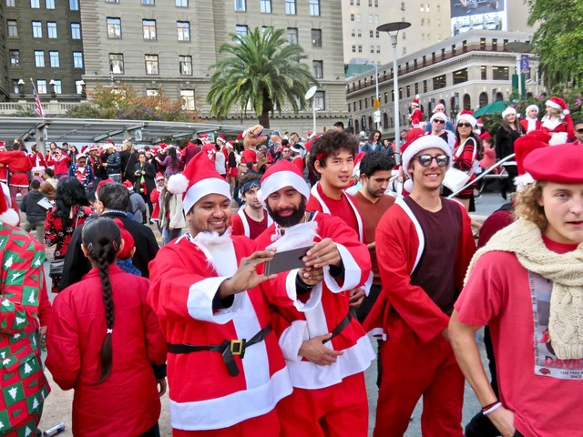 Saturday Links: Naughty Or Nice, SantaCon Is Happening Today
