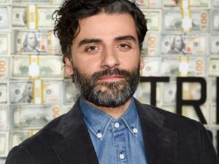 Oscar Isaac shows off his Spanish in 'Triple Frontier'