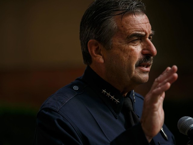 L.A. Police Chief Charlie Beck announces early retirement, ending eight-year tenure as head of the LAPD