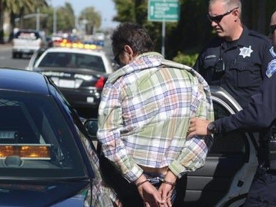 """""""They Had Me At Gunpoint"""": Hertz Customers Keep Getting Arrested For Driving """"Stolen"""" Cars"""