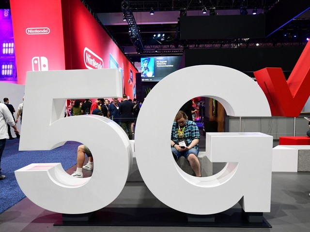 What you need to know about 5G phones