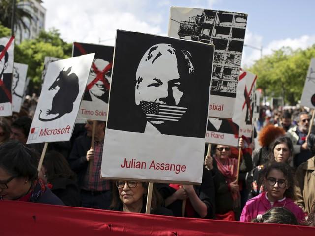 Julian Assange visited in London prison by UN privacy envoy over complaints against Ecuador
