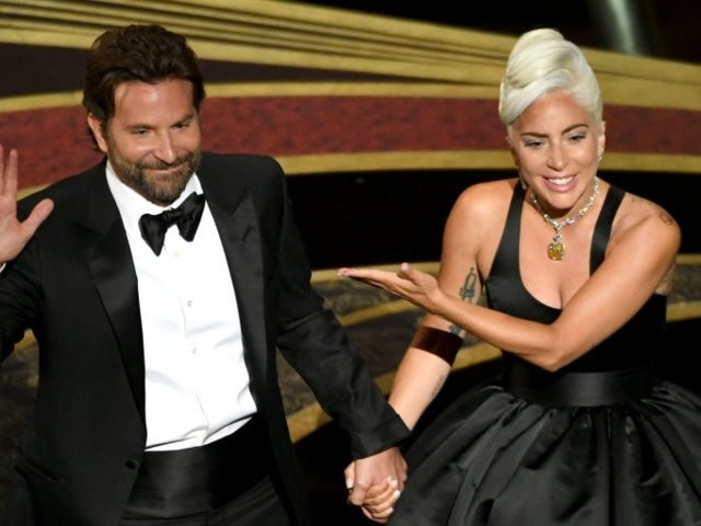 Bradley Cooper and Lady Gaga gave an emotional and intimate performance at the Oscars, and people have feelings