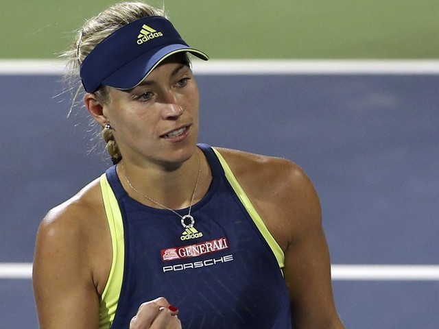 Angelique Kerber easily advances to second round in Dubai Championships