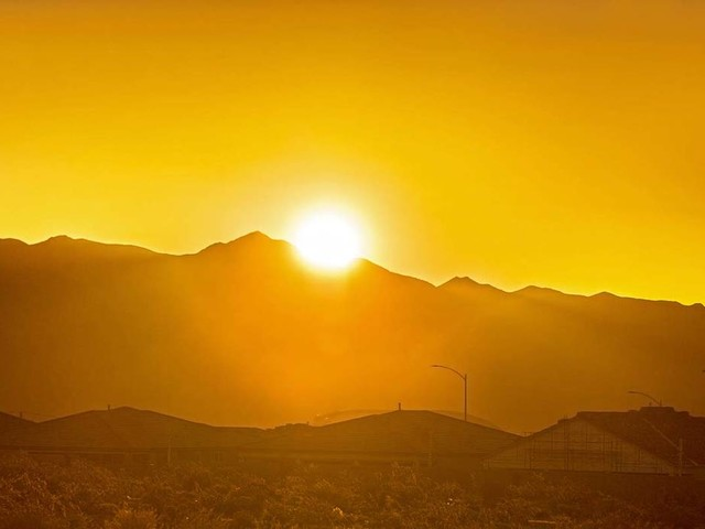 Mild, sunny conditions forecast all week for Las Vegas