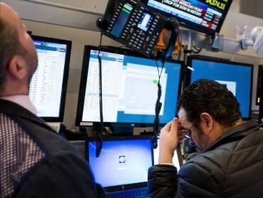 Stocks Drop As Tariff Deadline, Central Banks Looms