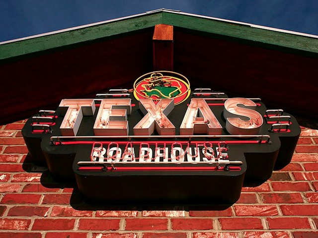 Texas Roadhouse CEO gives up salary and bonus for the rest of the year to pay 'front-line' workers feeling the shutdown squeeze