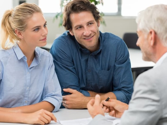 Should You Hire an Attorney When Buying a House?