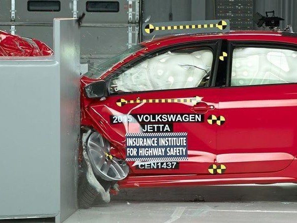 Korean, Japanese and German cars edge out Americans in IIHS top safety picks