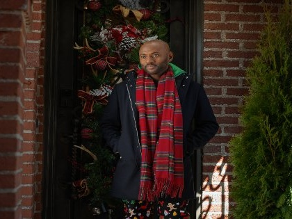 A Dad Tries To Make Christmas Magical for his Family in 'Holiday Rush'